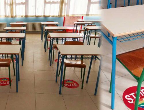 """Etichette  """"Floor"""" per Distanziamento Realizzate per le scuole."""